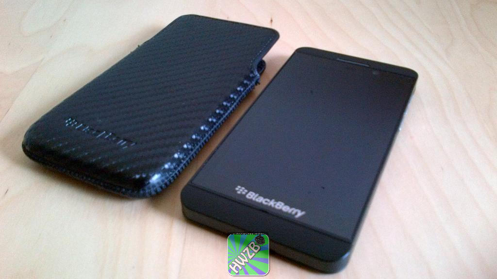 Official Blackberry Z10 Leather Pocket Pouch Case Cover